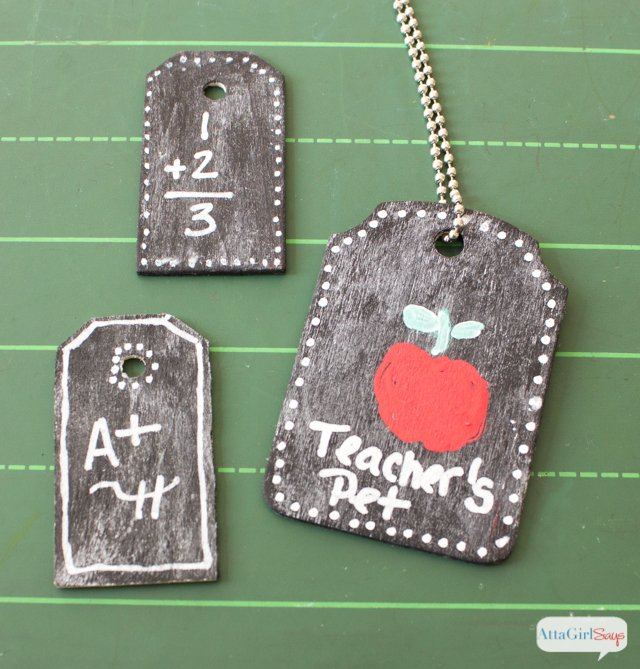 Back to School Chalkboard Ideas -- use chalkboard for back 2 school projects like these!
