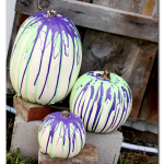 Easy Halloween Crafts -- super simple crafts that take 15 minutes or less to complete!