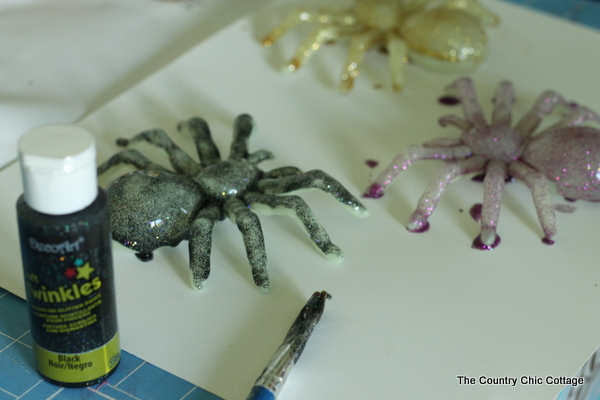 how to paint plastic spiders
