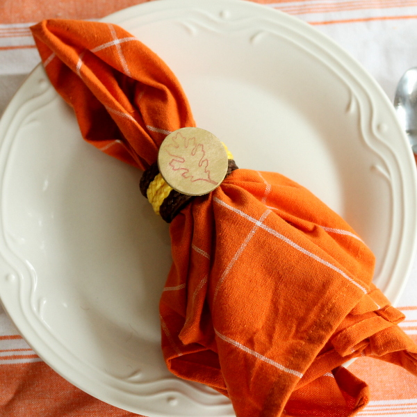 Make your own Thanksgiving Napkin Rings -- a quick and easy craft that will leave you with customized napkin rings for your fall table.