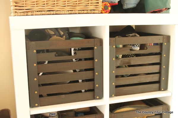 Farmhouse Style Mud Room Organization And Ideas The