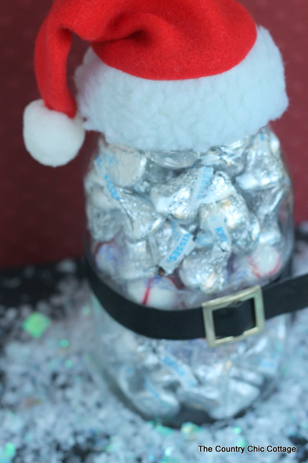 Santa gift in a jar -- can be made in minutes for a budget gift that is adorable! After all we all love mason jars!