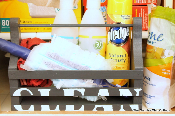 organize cleaning supplies with a cleaning caddy-003
