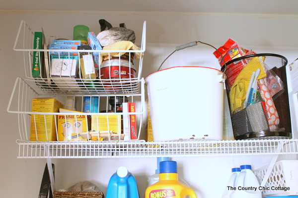 Ideas for an Organized Laundry Room -- get tips and tricks for organizing!