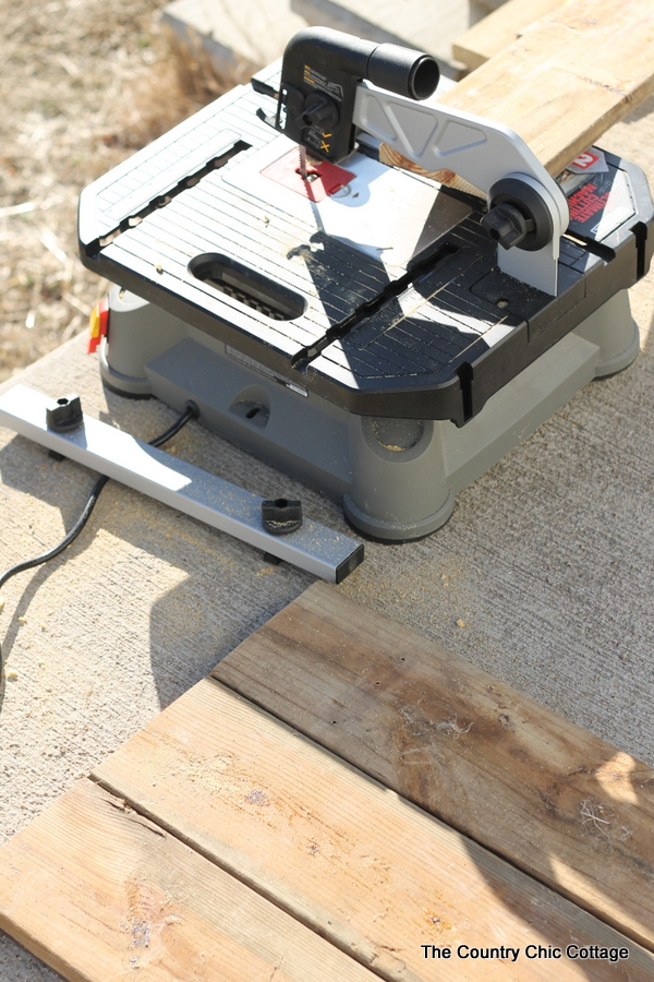 cutting boards with saw