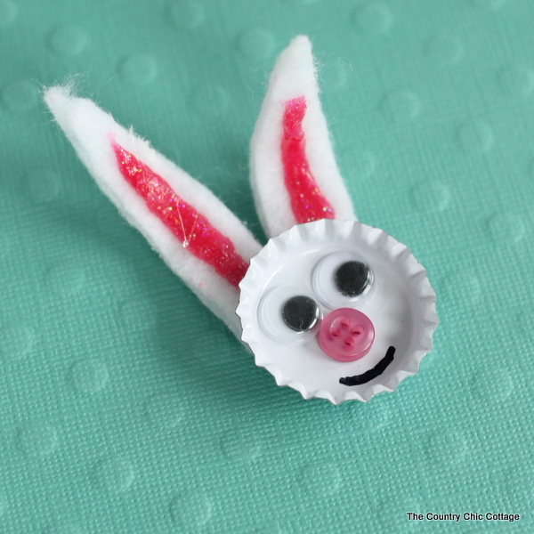 Bottle cap bunny -- a quick and easy craft for kids for Easter!