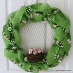 Spring Burlap Wreath -- make this wreath for your home and add a touch of spring!
