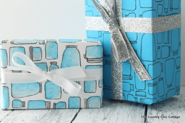 Mason jar gift wrap -- print this gift wrap at home for free and use it to wrap presents any time of the year!