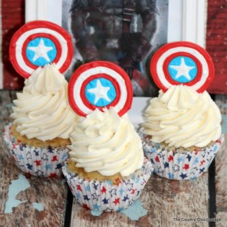Captain America Cupcakes -- let your love for the Avengers shine with these great cupcakes celebrating the American hero.
