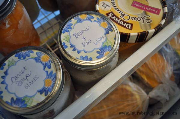 Masno jar meal planning -- use mason jars in your freezer to store ready to serve meals that will be ready in minutes!