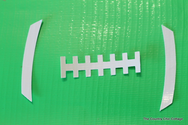 Football Party Mason Jar Crafts -- simple ideas to use at your next football party!