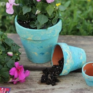 Make these marbled terra cotta pots for your home -- step by step instructions to make your own easily!