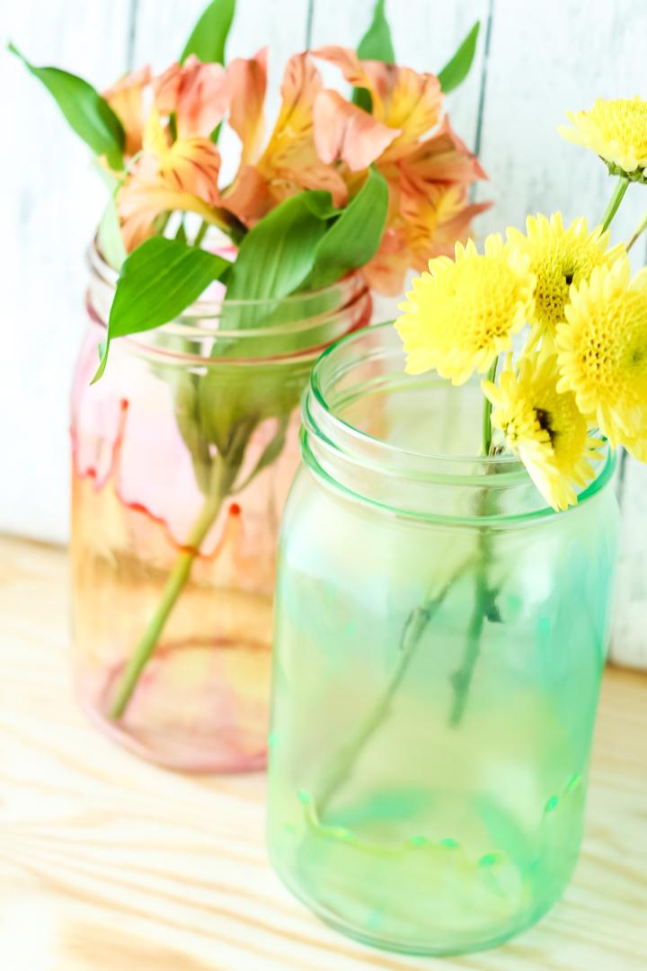 using mason jars as vases