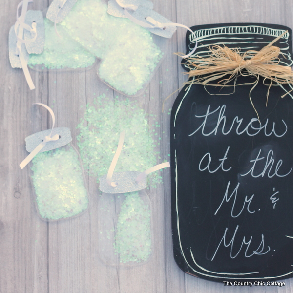 Make these fun wedding toss pouches in the shape of a mason jar and fill with glitter, confetti, or anything else you want thrown at the wedding!