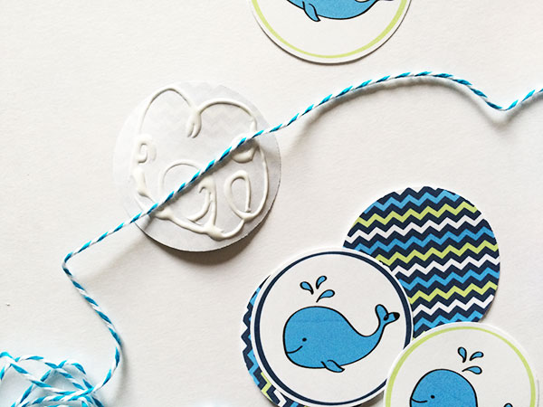 Make garland with the cute whale art