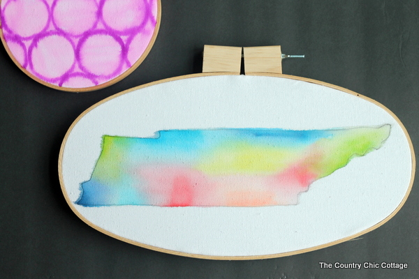 Use markers to create this unique watercolor hoop art in just minutes! A fun craft project that anyone can make!