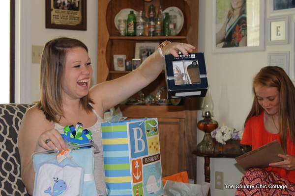 Throw a nautical themed baby shower with these fun ideas!