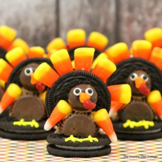 These turkey treats are so easy to make! Try then in the fall for Thanksgiving!
