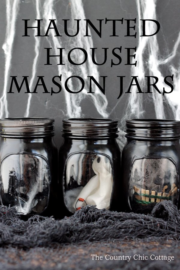 Make a DIY ghost in a jar craft with these instructions! In fact, you can use these steps to make an entire haunted house mason jar scene! #ghostinajar #masonjar #halloween #jarcrafts #halloweencrafts