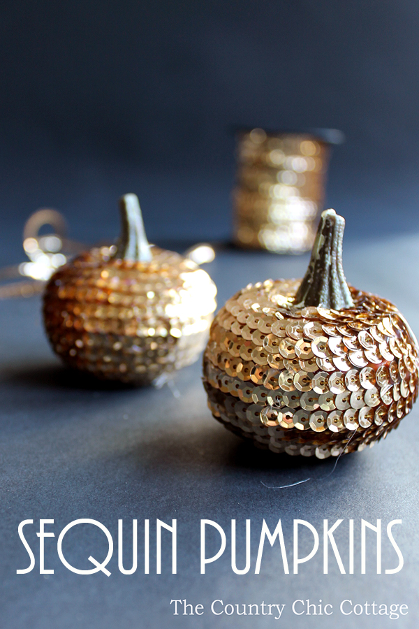 Make these sequin pumpkins for your fall and Halloween decor!