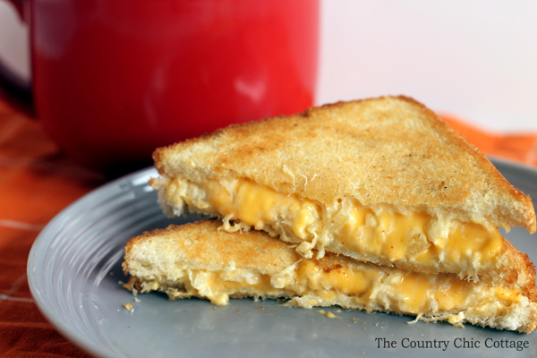 Grilled Pineapple Cheese Sandwich Recipe -- I must try this!