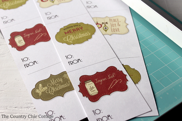 Get these free printable Christmas gift tags and add them to your presents! I love the one with the mason jar!