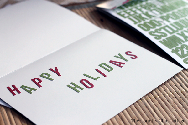 Make your own Christmas cards with these super simple ideas! Make baker's twine Christmas cards in minutes with these step by step instructions.