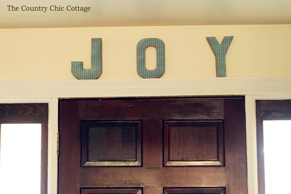 Come visit a rustic farmhouse Christmas home tour!