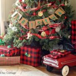 Come visit a rustic farmhouse Christmas home tour!