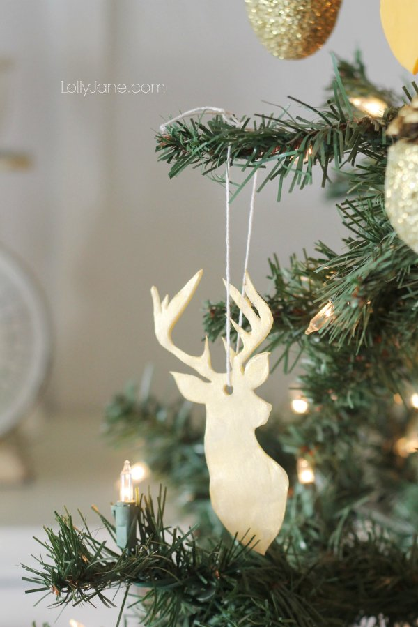 Great ideas for gold Christmas decor for your home!