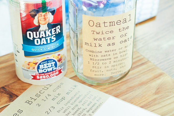 This oatmeal pantry label has directions to make the most simple, delicious oatmeal.