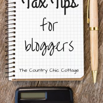 Get our tax tips for bloggers! A great list to make sure you are prepared for tax season. Includes a printable tax checklist!