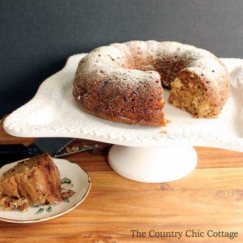Make this applesauce banana cake recipe for a healthy dessert alternative!