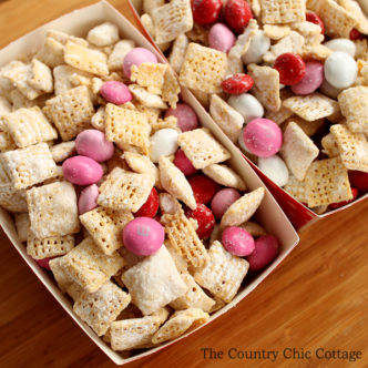Valentine's Day Muddy Buddies Recipe