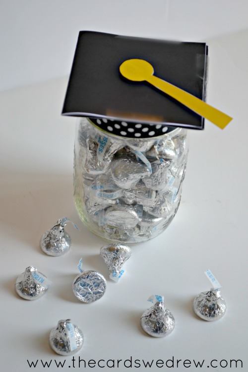 Great graduation mason jar gift ideas!