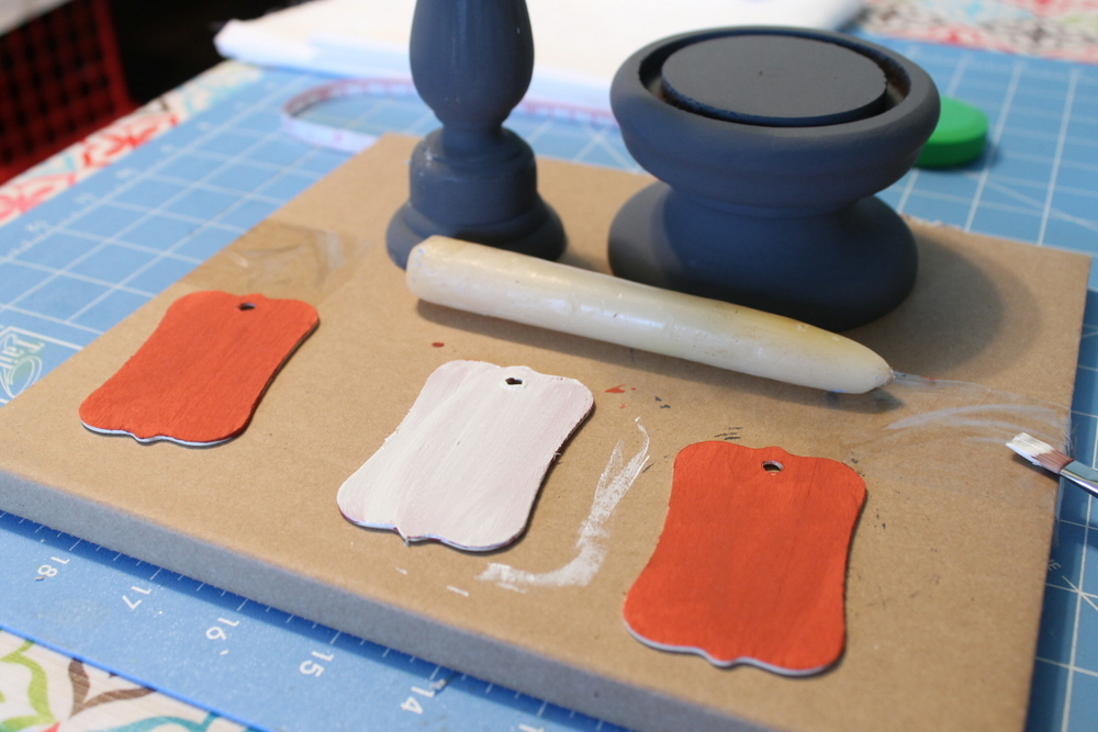 Learn how to create a chipped paint finish on any surface with two different paint techniques!