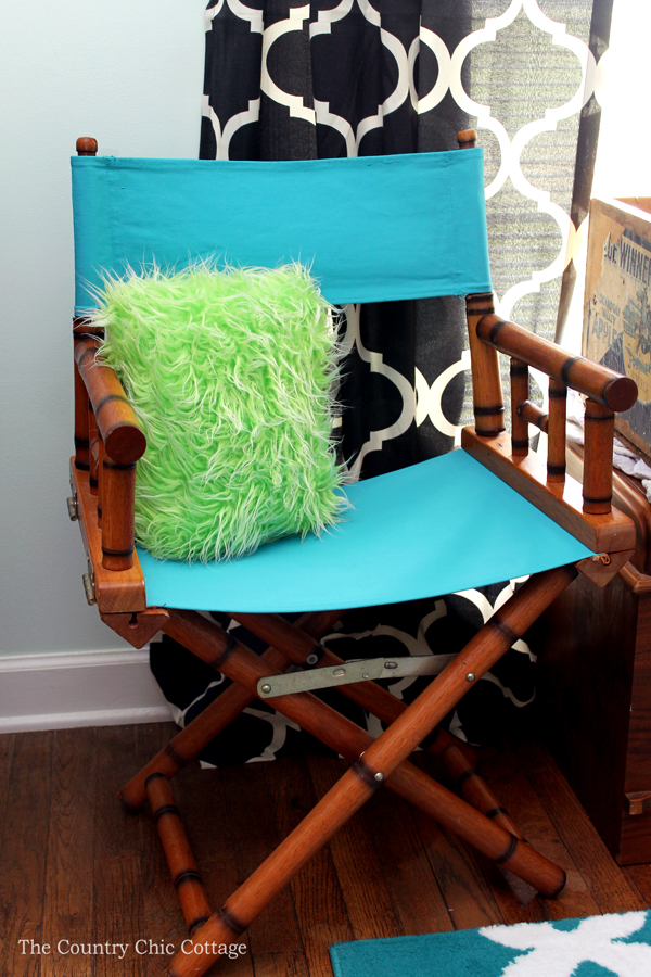 Ordinaire How To Paint Chair Fabric   Grab Your Paint And Change The Appearance Of  Upholstery!