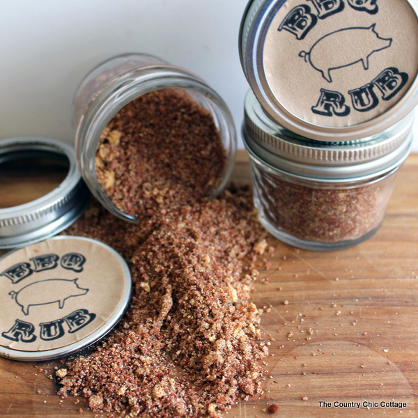 This Father's Day BBQ rub gift in a jar with be a hit with any dad! Grab the simple ingredients and mix up your own today!