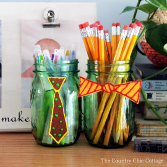 Make these Father's Day mason jars with the kids and give to Dad for a gift!