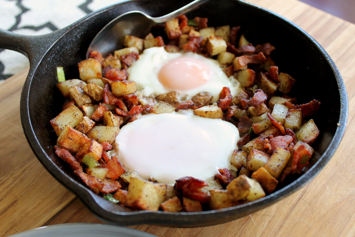 This breakfast skillet is an easy and fast recipe for a delicious brunch