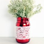 Make this mason jar wedding centerpiece for your reception! It is gorgeous and it lights up!