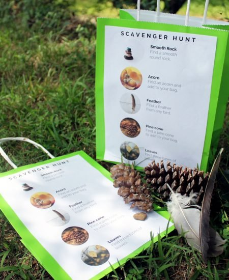 Printable scavenger hunt bag - print this for free and add to a bag for any scavenger hunt!