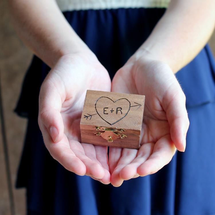 Make this DIY ring bearer box!