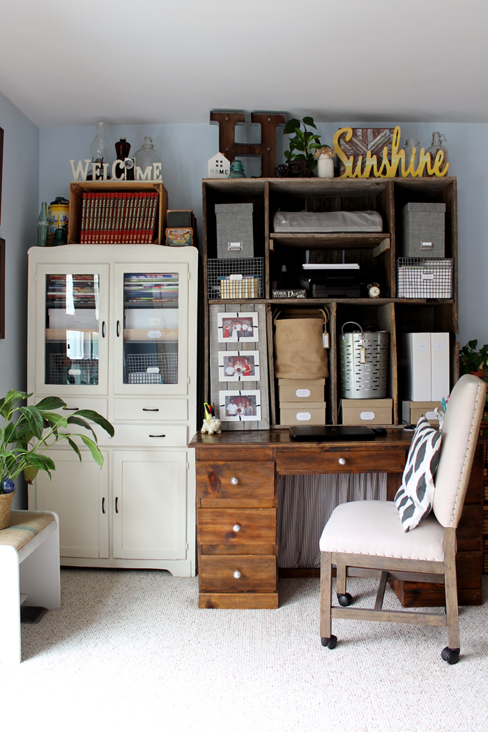 Tour This Farmhouse Style Office Area And Learn How One Blogger Created Fixer Upper Look
