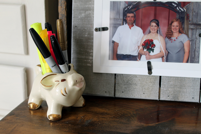 This vintage pig pen holder is the perfect personal piece to add a fun touch to my farmhouse style office
