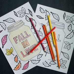Get this free printable mason jar coloring page for fall! A great coloring page for adults or kids!
