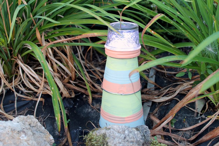Make This Garden Lighthouse For Your Outdoor Decor! A Fun DIY Project That  Is Perfect