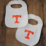 This easy bib applique tutorial will have you making any bib in minutes including football teams! Perfect for baby shower gifts!
