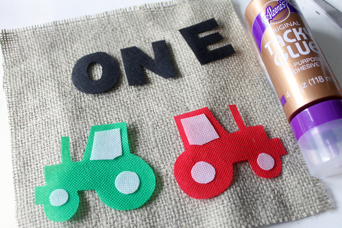 How to make a first birthday highchair banner for a tractor themed birthday party