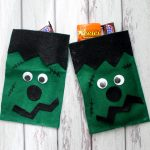 These Frankenstein Halloween bags are easy to make from felt! See the craft tutorial here!